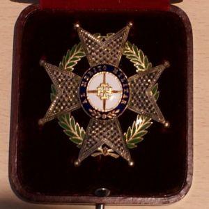 Medalla Colectiva Laureada o Militar? 523365559