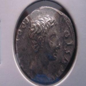 ayuda con este denario 702511496