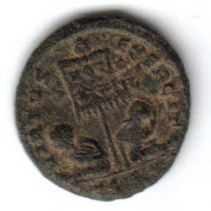 AE3 de Constantino I 697481424